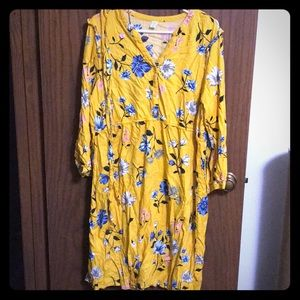 Old Navy maternity dress, only worn once